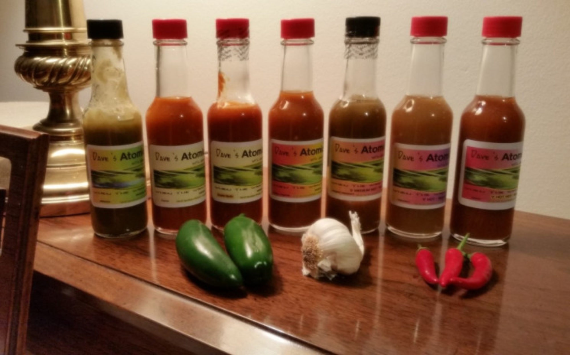 Dave's Atomic Hot Sauce with Garlic